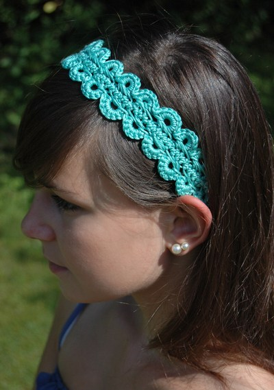 This is a free Pattern for a Hairpin Lace Crochet Hairband/Headband.