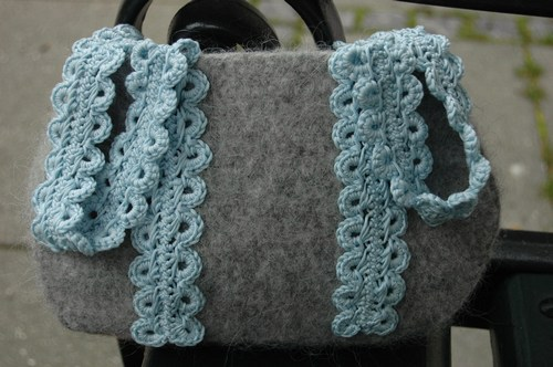 Woolen Crochet : Free Crochet Pattern Felted Bag: Aquamarine Bag