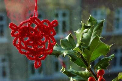 Free Printable Christmas Ornament Crochet Patterns | MHI - Social